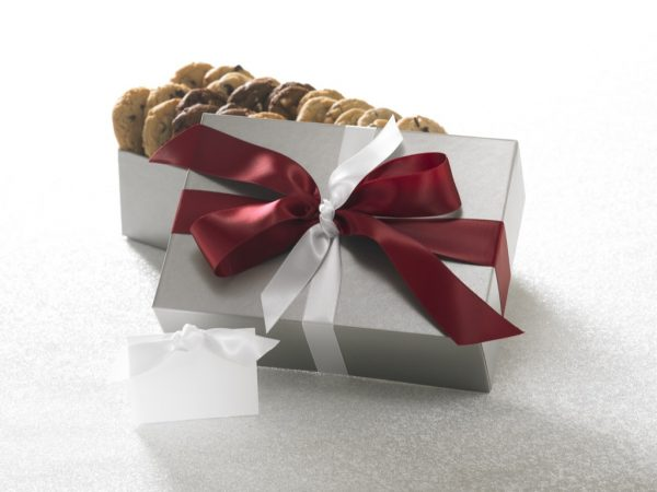 Silver Elegance 28 ct Cookie Gift