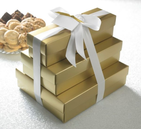 Gold or Red Select Ultimate Tower w/ 66 Cookies & 36 Brownies